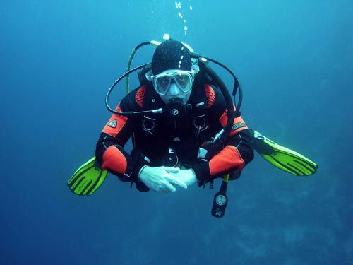 About me scuba diving pose picture